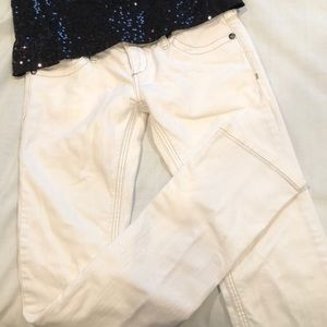 FREE PEOPLE 26 WHITE JEANS